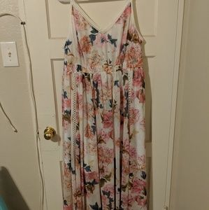 Torrid Size 3 White and Pink Floral Maxi Dress